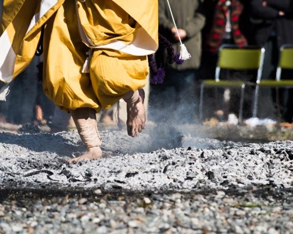 火渡り護摩の様子2